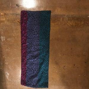 Accessories - Tri-colored scarf